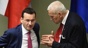 """Don Kichot Morawiecki na froncie """"walki z rusofobią"""""""