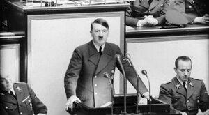 Adolf superstar, czyli skąd się bierze chora fascynacja Hitlerem